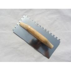 Шпатель Гладилка 130*280   10*10 с деревянной ручкой