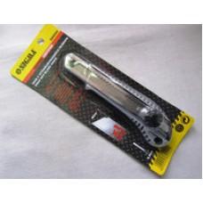 Нож канцелярский 18 мм с железной направляющей